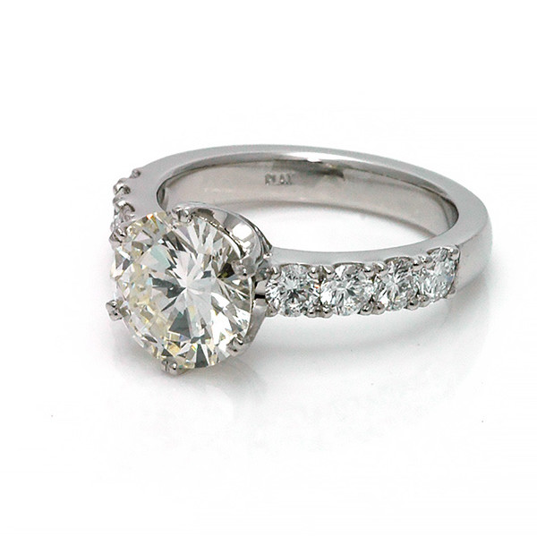 Platinum 2.6ct Diamond solitaire